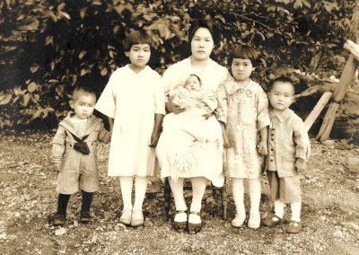 0000-kawabe-family-portrait